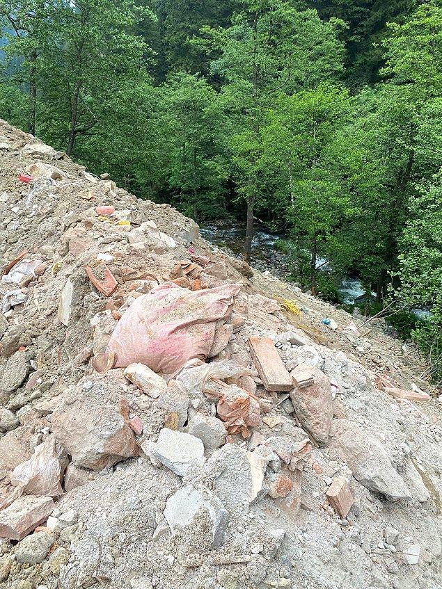 İnşaat atıklarının döküldüğü alandan fotoğraflar 👇