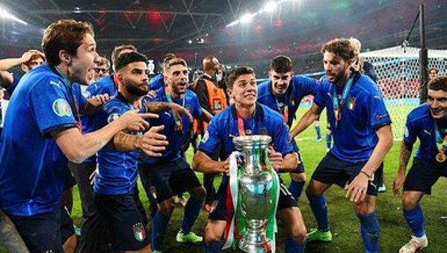 Dün akşam Wembley'de penaltılara kalan maçta İtalyanlar Avrupa Kupası'nı son penaltı atışlarıyla aldı ve İngilizlerin gözlerinin önünde kupayı aldı.