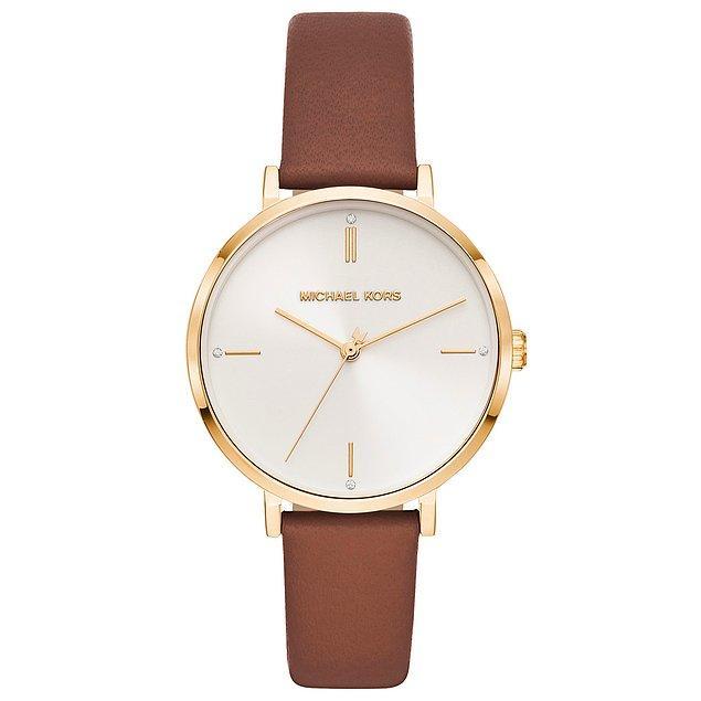 8. Sade stilinizi tamamlamanıza yardımcı olacak saat modelleri için sizi şöyle alalım. 👇