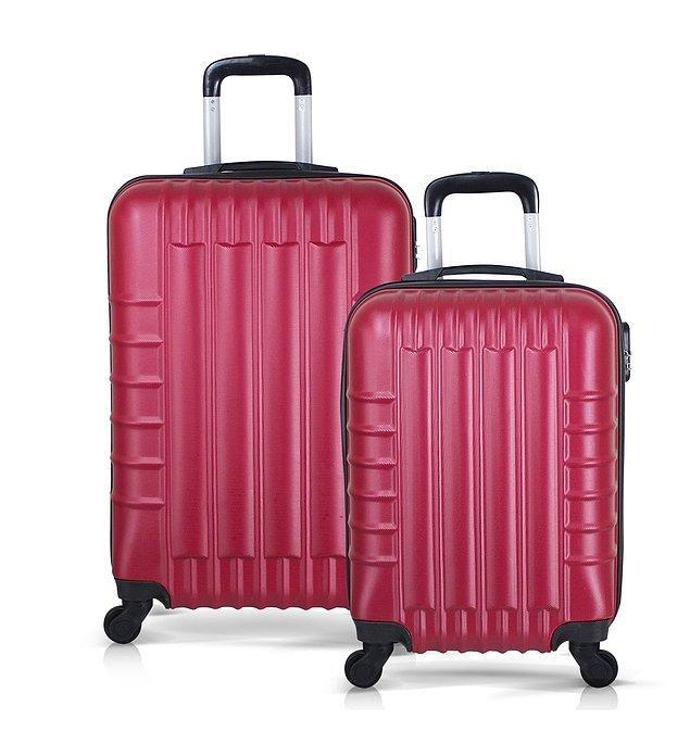2. Tabii ki seyahatine eşlik edecek en önemli şeyler valizler