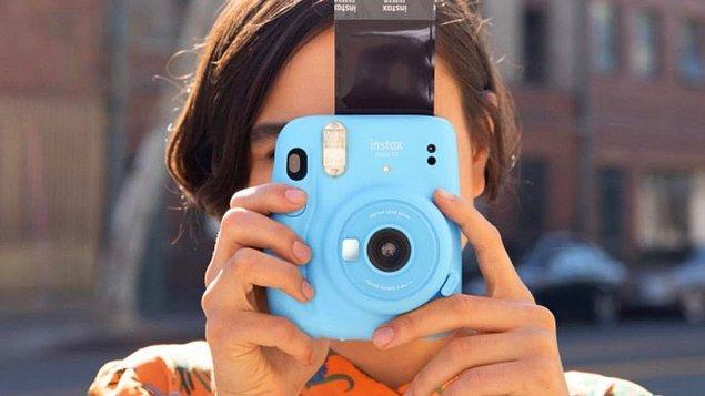 12. Anı ölümsüzleştireceğin polaroid fotoğraf makinesi...