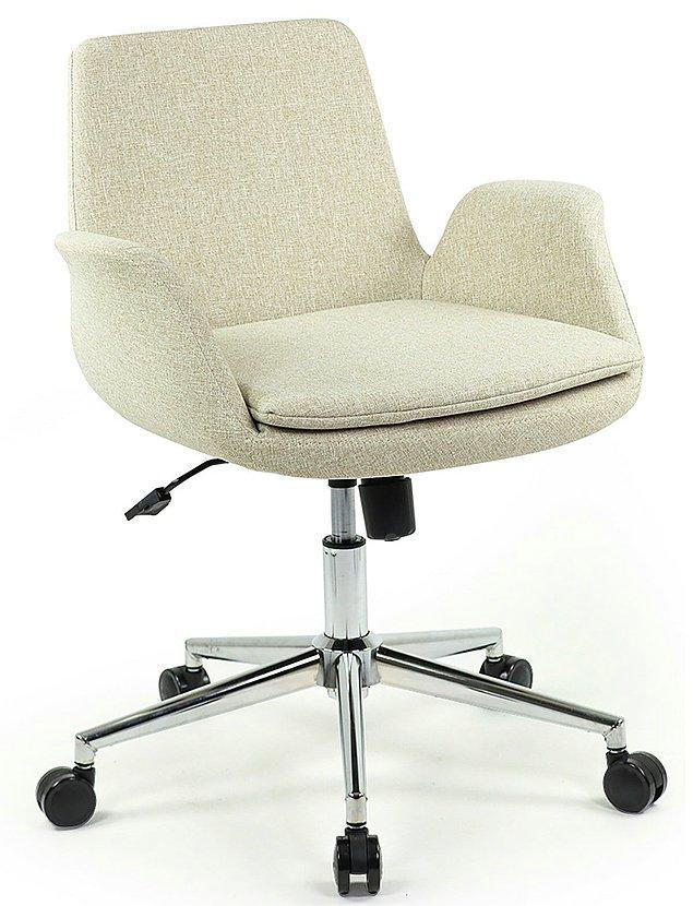 2. Rahat bir çalışma sandalyesi de çalışma kalitenizi etkiler.