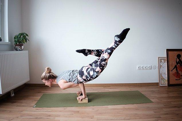 12. Yogada belli bir seviyeye geldikten sonra daha zorlu pozları yapmayı herkes ister.