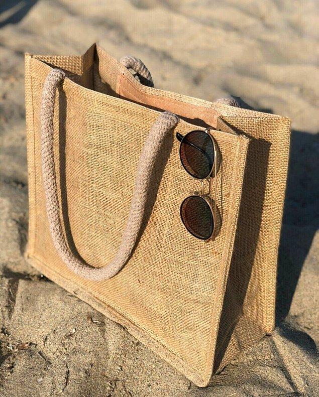 1. Plaj çantası olmadan plaja gitmek çok zahmetli.