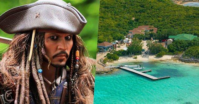 13. 'Karayip Korsanları'nda oynadığı Jack Sparrow karakteri ile akıllara kazınan Johnny Depp de 2004 yılında Karayipler'den 3.4 milyon dolar değerinde bir ada almış!