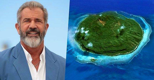 23. 'Cesur Yürek' filminde gösterdiği performansıyla adını geniş kitlelere duyuran oyuncu Mel Gibson, Fiji'deki Mago Adasını 15 milyon dolara satın almış.