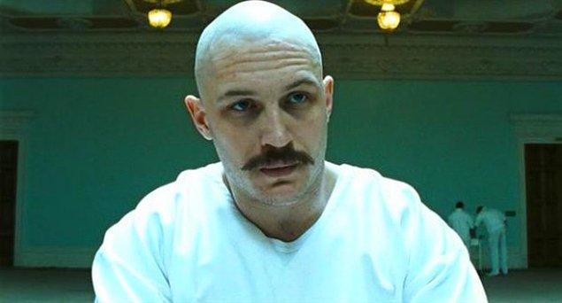 """14. """"Erkekler saç dökülmesini dünyanın sonu olarak düşünüyor ama bilmiyorlar ki kel erkekler de oldukça çekici..."""""""