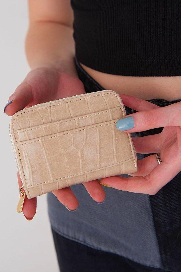 2. Uygun fiyatlı cüzdan arayışında olanları buraya alalım. İşte aradığınız uygun fiyatlı şık cüzdan! 🤩