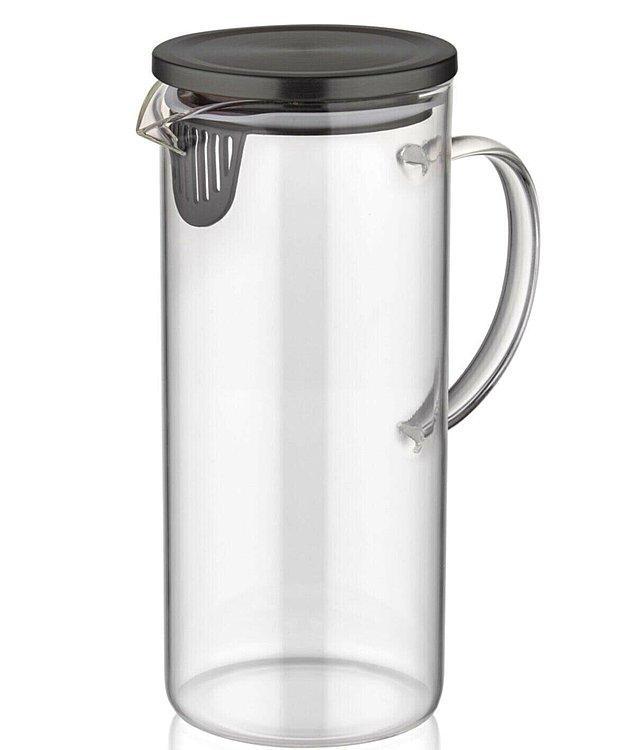 11. Ev limonatalarınızı yapıp buzdolabına atıp taze taze içmek için bu sürahiyi alın.