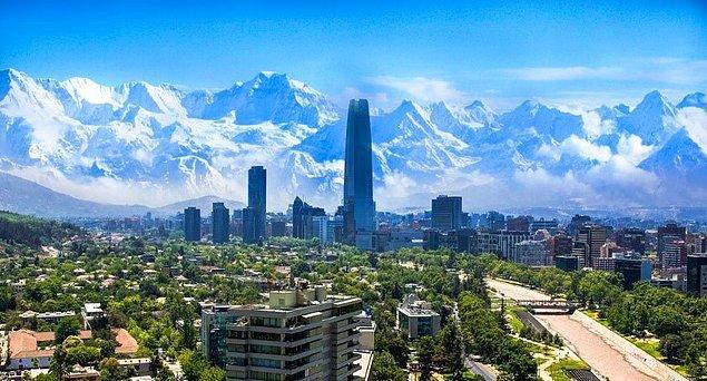 Başkent Santiago, Şili'nin denize kıyısı olmayan nadir şehirlerinden biri.