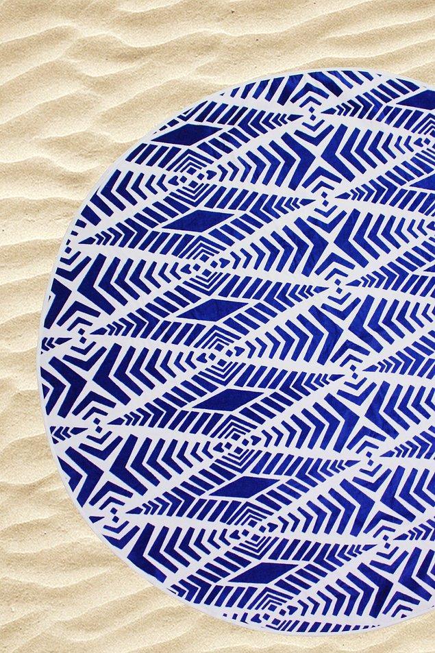 5. Titizliğiyle tanınan Başak kadınına plajda bile kuru ve temiz kalmasına yardımcı olun!