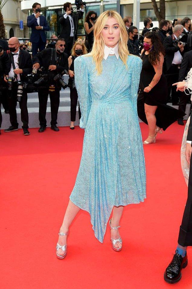 14. Tilda Swinton'ın kızı Honor Swinton Byrne değişik bir elbise giymişti.