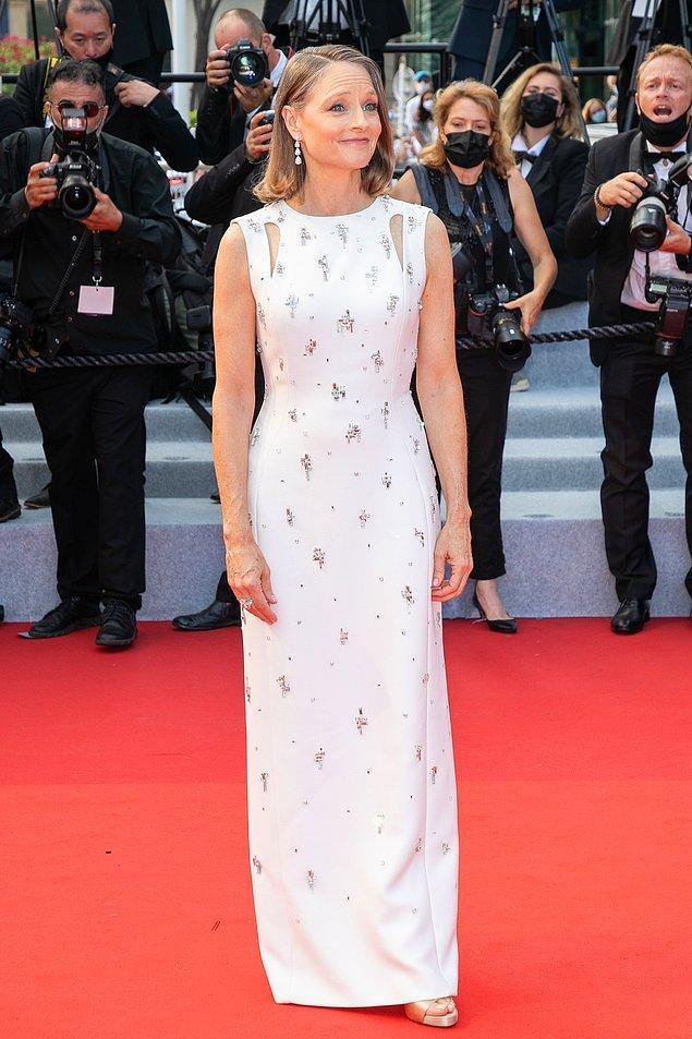 25. Jodie Foster da festivalin beyaz akımına uydu.