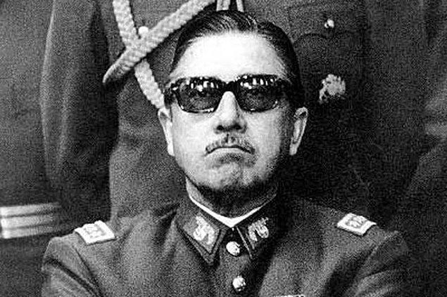 Darbeyi yapan ekibin başında, bizzat Allende tarafından göreve getirilen General Augusto Pinochet vardı.