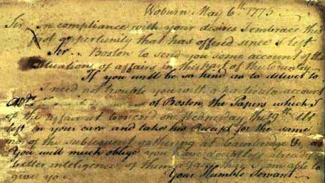 5. Antik Roma casusları, resmi belgelere sırlar yazmak için idrarı görünmez mürekkep olarak kullandılar.