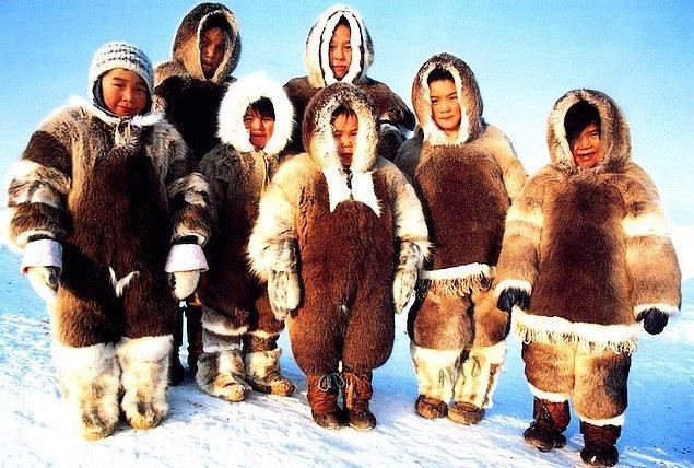 8. Eskimolar çadırlarındaki sıcak kayalara işeyerek buhar banyolarında kendilerini temizlerlerdi.