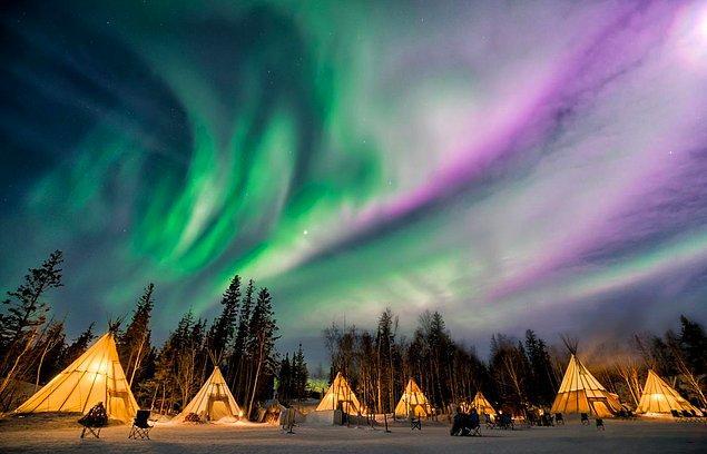 6. Dünyada ışıkların en iyi gözlemlenebildiği yer Kanada'da bulunan Yellowknife'dır.