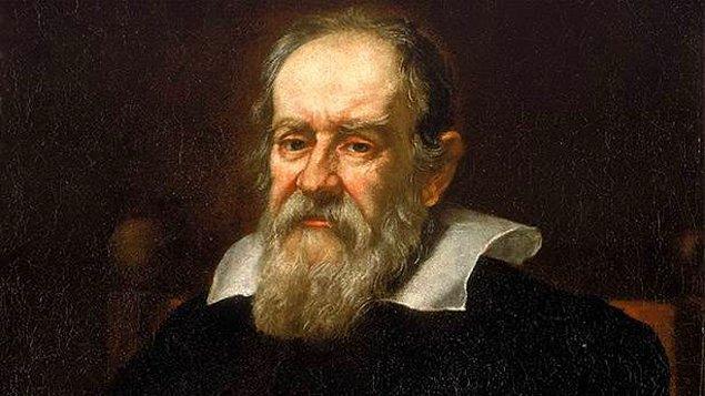 9. İlk kuzey ışıkları 1619'da Galileo Galilei tarafından kayıtlara geçirilmiştir.