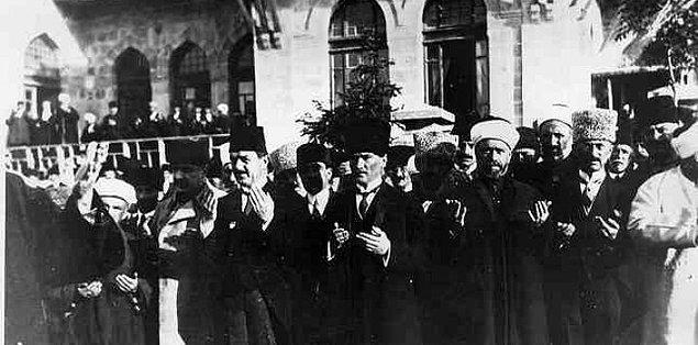 Büyük Millet Meclisi'nin açıldığı günlerde Anadolu iç ayaklanmaların etkisiyle olağanüstü bir tehlike içindedir. Asayişsizlik, eşkıya, sefalet Anadolu'yu sarsar. Bunun yanı sıra...