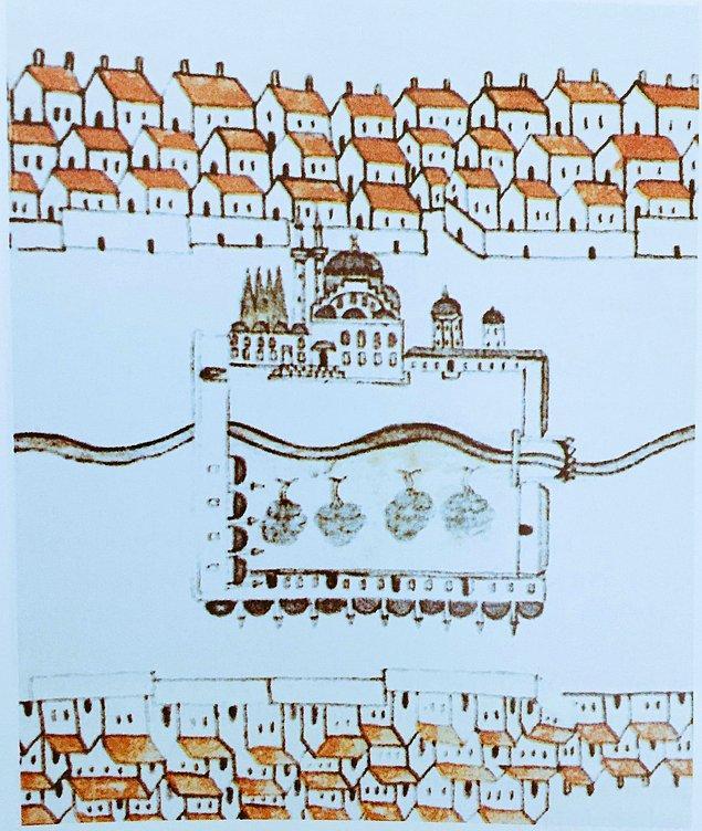 Evliya Çelebi'nin aktardığına göre Fatih, Ayasofya'nın avlusundaki etrafı servilerle çevrili şadırvandan etkilenerek Fatih Camii'nin iç avlusundaki şadırvanın etrafına da servi ağaçları diktirir.
