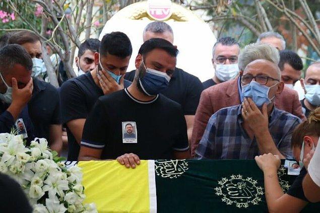 7. Alişan'ın kardeşinin cenaze törenine katılmadığı için sert eleştirilere maruz kalan Demet Akalın, sessizliğini bozdu: