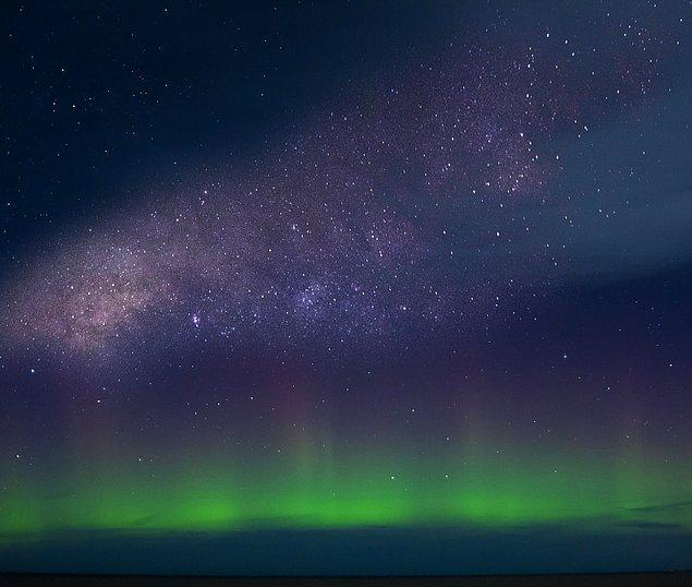 14. Işıklar yeryüzünden en az 93 km uzakta meydana gelmektedir.