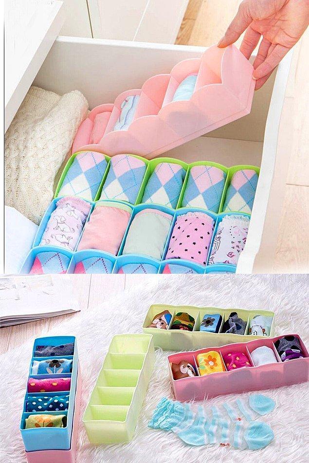 11. Tertipli bir çorap çekmecesi için çorap düzenleyici organizer kullanabilirsiniz.