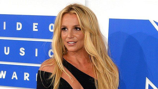 Britney Spears, son zamanlarda babasıyla yaşadıklarıyla gündemde.