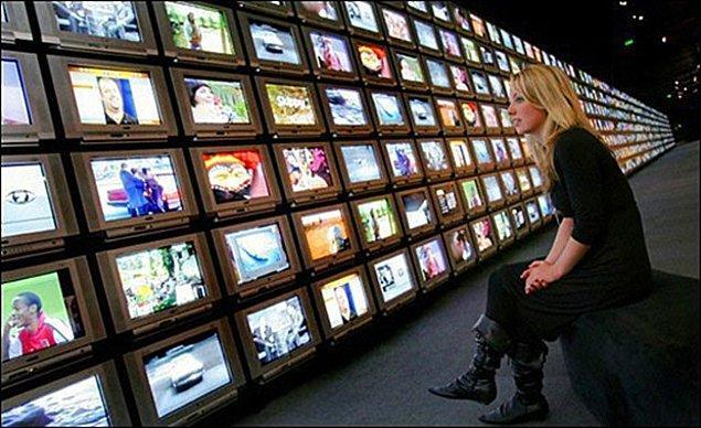 1. Televizyon alırken karar vermeniz gereken ilk şey çeşidi belirlemek.