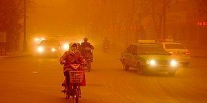 Çin'in Dunhuang Kentini Vuran Kum Fırtınası Böyle Görüntülendi