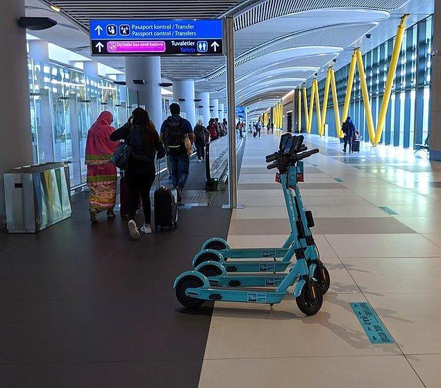 """15. """"İstanbul Havalimanı o kadar büyük ki içeride gezmek için kiralayabileceğiniz scooter'lar var."""""""