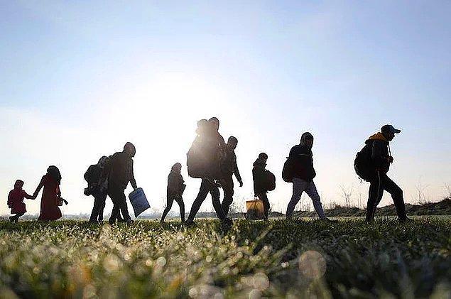 Aynı zamanda Kurz sığınmacıları geldikleri ülkelere gönderemiyorlarsa AB üyesi olmayan ülkelere iade etme imkanının yaratılması gerektiğini de söyledi.