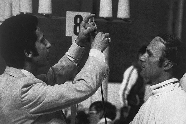 1976: Sovyet atlet Boris Onischenko hile yaparken yakalandıktan sonra eve gönderildi.