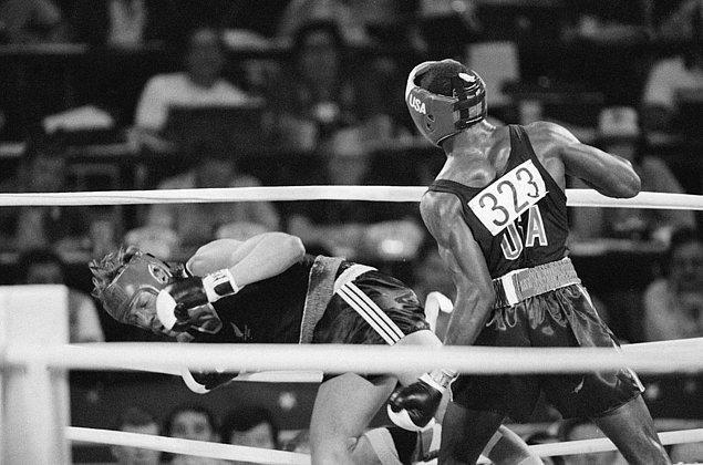 1984: boksör Evander Holyfield diskalifiye edildi.
