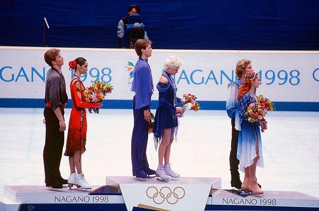 1998: buz dansı yargıcı, sonuçlara hile karıştırdı.