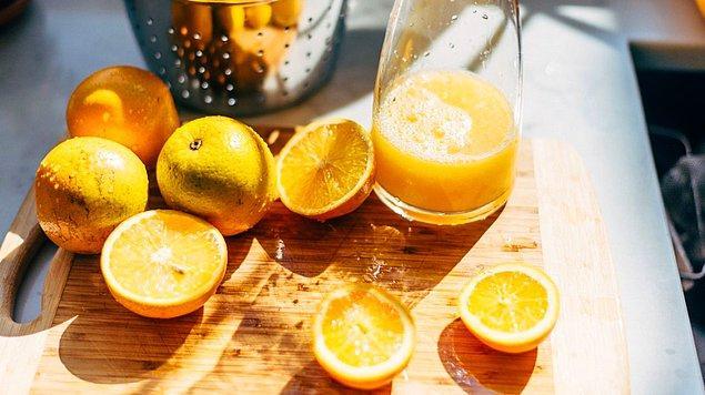 7. Portakal suyu içmek.