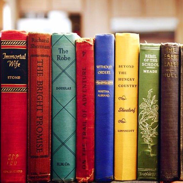 Kitaplar bizim dostumuz ve zor zamanlardaki sığınağımız olsa da bazı kitaplar hiç de dost canlısı görünmüyor.