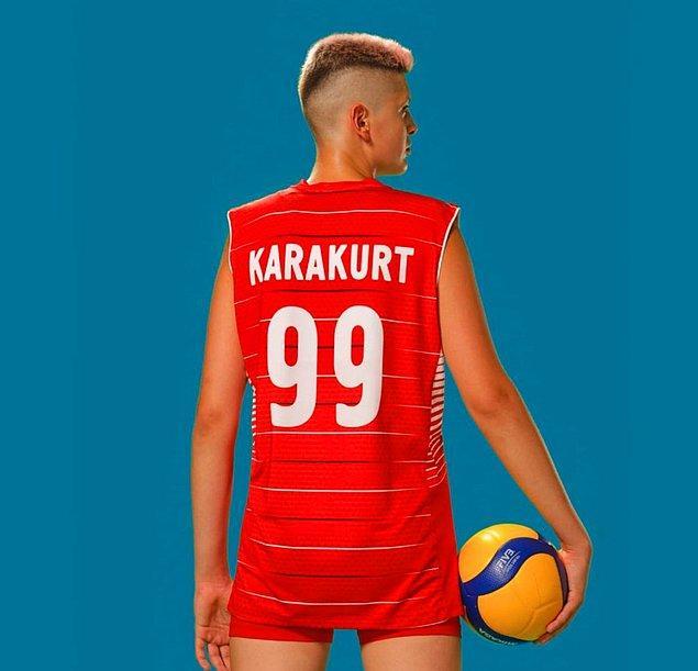 Şimdi de A Milli Voleybol Kadın Takımımızın başarılı pasör çaprazı Ebrar Karakurt'u tanıyalım.