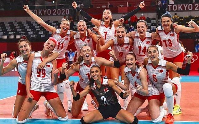 'Şu sıralarda 2020 Tokyo Olimpiyatları'nda bizleri gururlandıran A Milli Voleybol Kadın Takımımızın oyuncularını tanıtacağız size sırayla.' demiştik biliyorsunuz ki...