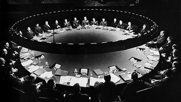 21. Dr. Strangelove or: How I Learned to Stop Worrying and Love the Bomb (1964)