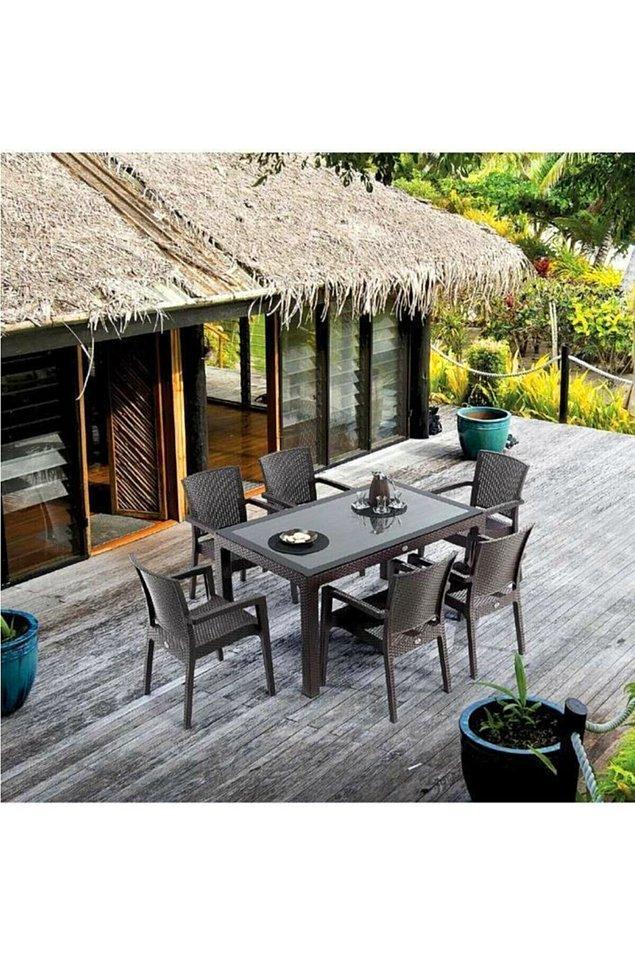 9. Rattan masa sandalye takımı da bahçe ya da teras için oldukça ideal.