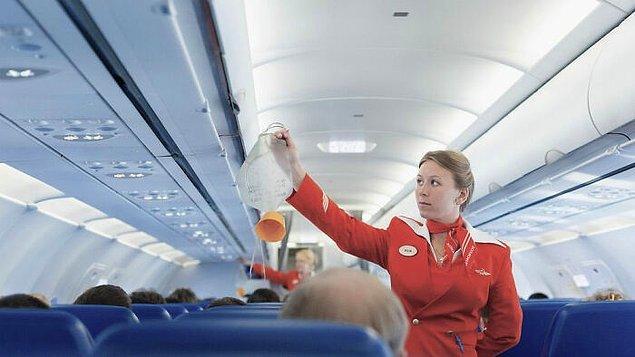 28. Uçaklardaki maskeler, kimyasal bir reaksiyonu tetikleyerek oksijen üretir.
