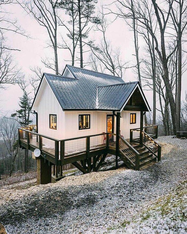 15. Kuzey Karolina'daki Asheville'de bulunan kabin.
