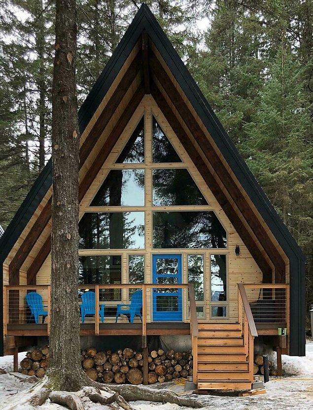 """21. """"Alaska'daki küçük kulübem. Yapımı 2 gün önce tamamlandı ve umarım buraya bir gün bu ev diyebileceğim."""""""