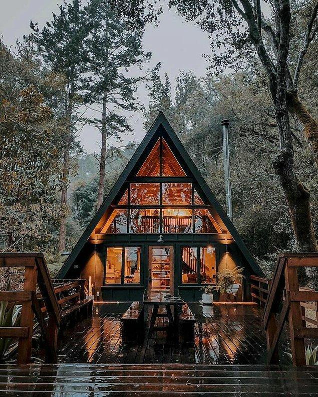 26. Bu kabin, Kaliforniya'daki Inverness'de bulunuyor.