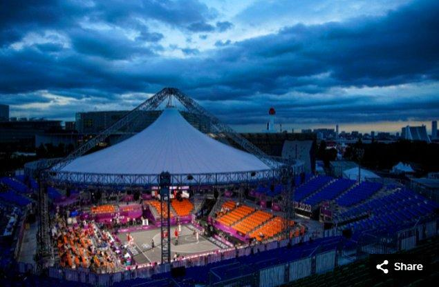 50. 24 Temmuz 2021'de Belçika, Aomi Urban Sports Park'taki Tokyo 2020 Olimpiyat Oyunları sırasında 3x3 basketbol maçında Letonya ile karşı karşıya.