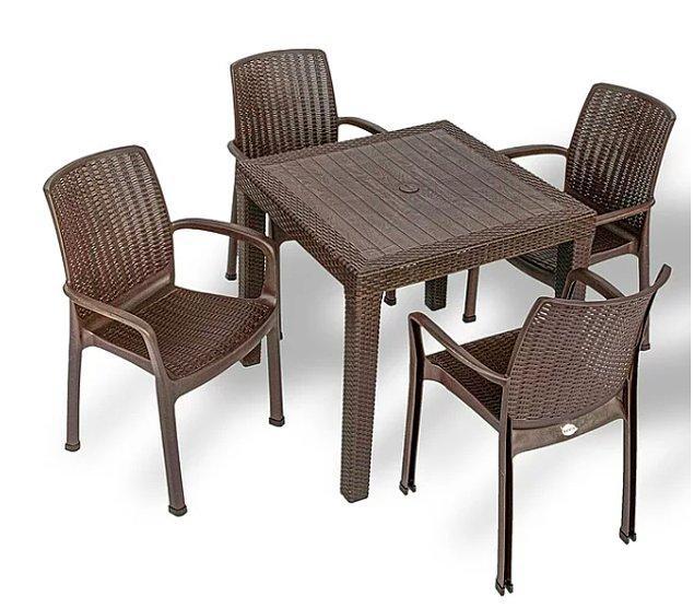 10. Yeri daha kısıtlı olanlar da bu rattan sandalye ve masa takımına bakabilir. İster balkona ister bahçeye...