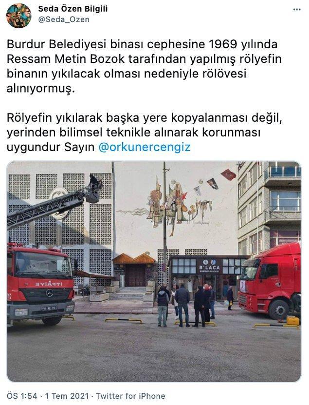 Burdur Belediyesi binasındaki freskin yer aldığı cephenin yıkımı, bir süredir gündemdeydi. Mimar Seda Özen Bilgili, konuyla ilgili bu ayın başında uyarılarda bulundu.