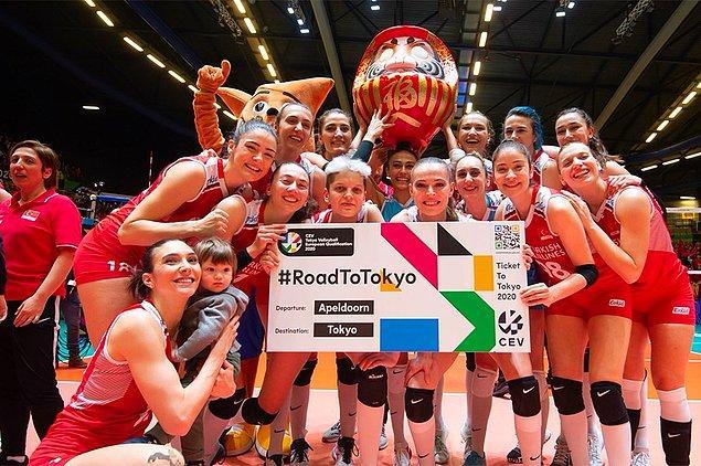 52. Geçen senenin şampiyonunu yenerek Tokyo'da yapılan Olimpiyat Oyunları'nda bizi temsil etmeye tam gaz devam ediyorlar. Sizinle gurur duyuyoruz Filenin Sultanları!