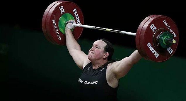 Öncelikle olimpiyatlara katılacağı kesinleşen ilk trans sporcu, halter dalında yarışan Yeni Zelandalı sporcu Laurel Hubbard oldu.
